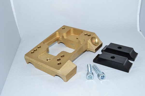 MAGNESIUM INCLINED ENGINE MOUNT FOR 28MM TUBE - WITH HOLES - WITH BRACKETS